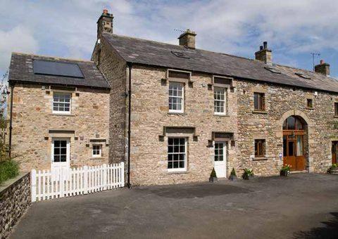 Warth House & Warth Barn