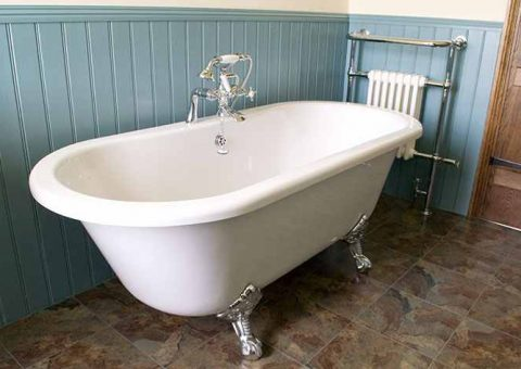 Main Bathroom - Warth House